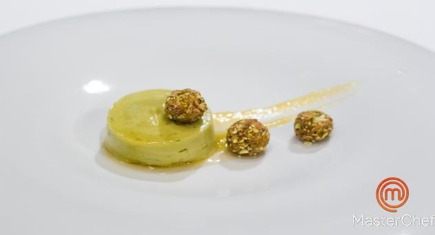 MasterChef 2: Mousse de aguacate con queso quark, pistachos y miel