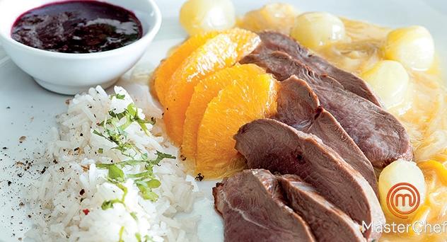 MasterChef: Magret de pato a la naranja con uvas y coulís de mora silvestre