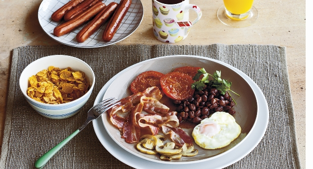 ¿Cómo preparar el perfecto desayuno inglés?