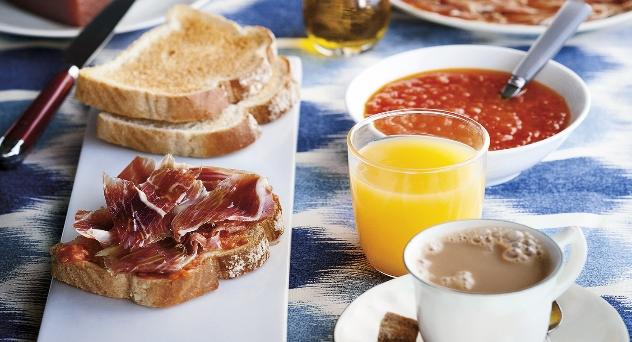 ¿Cómo preparar un desayuno ibérico?