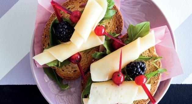 ¿Cómo maridar los quesos tiernos y mantecosos?