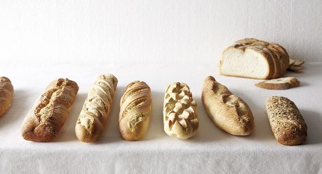 Panadería con la mano en la masa