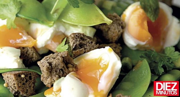 Ensalada de huevos y tirabeques