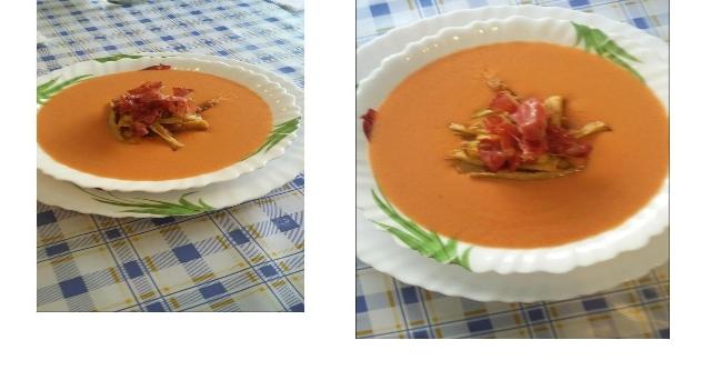 Gazpacho de mango con crujientes de calabacín y jamón