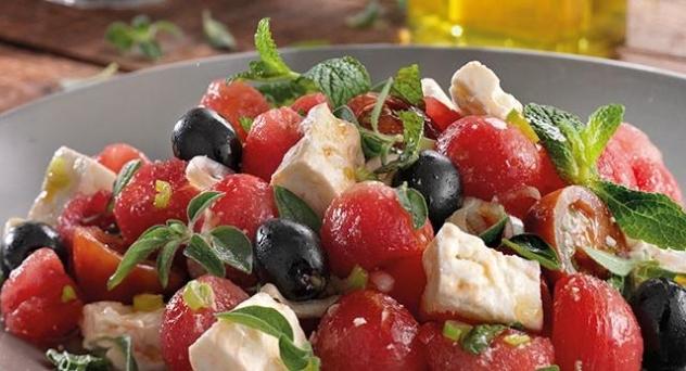 Ensalada mediterránea de sandía y queso feta