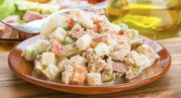 Ensalada campera de patata y atún