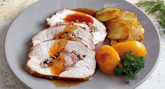 Lomo de cerdo Duroc relleno y melocotones salteados