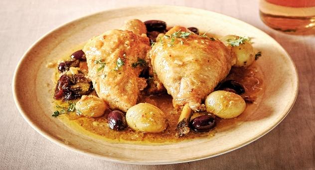 Guiso de pollo campero con cítricos y frutos secos