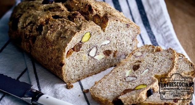 Pan de centeno y frutos secos