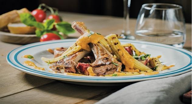 Chuletillas de Ternasco de Aragón con muselina de tomate
