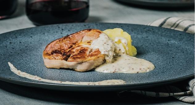 Tournedós de Ternasco de Aragón a la mostaza con patata rota