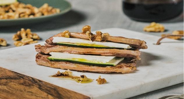 Filetes de Ternasco de Aragón, calabacín y queso fresco