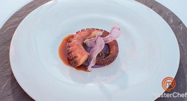 Masterchef 7: Pulpo Lacado con lombarda y patata violeta
