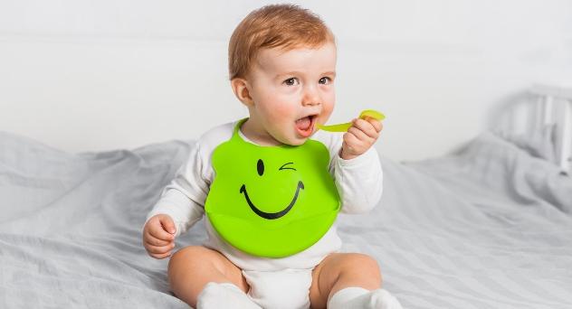 ¿Cómo preparar la primera papilla de frutas para tu bebé?