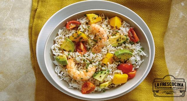 Ensalada de arroz con aguacate y mango