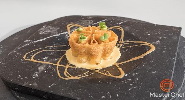 Masterchef 8: Flores extremeñas con torta del casar y espuma de albahaca