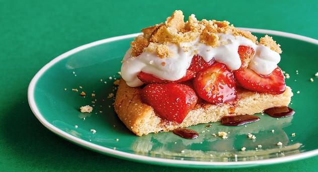 Tarta de fresa a la americana o strawberry shortcake del frenchy's