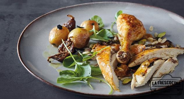 Pollo campero relleno con foie, trufa y frutos secos