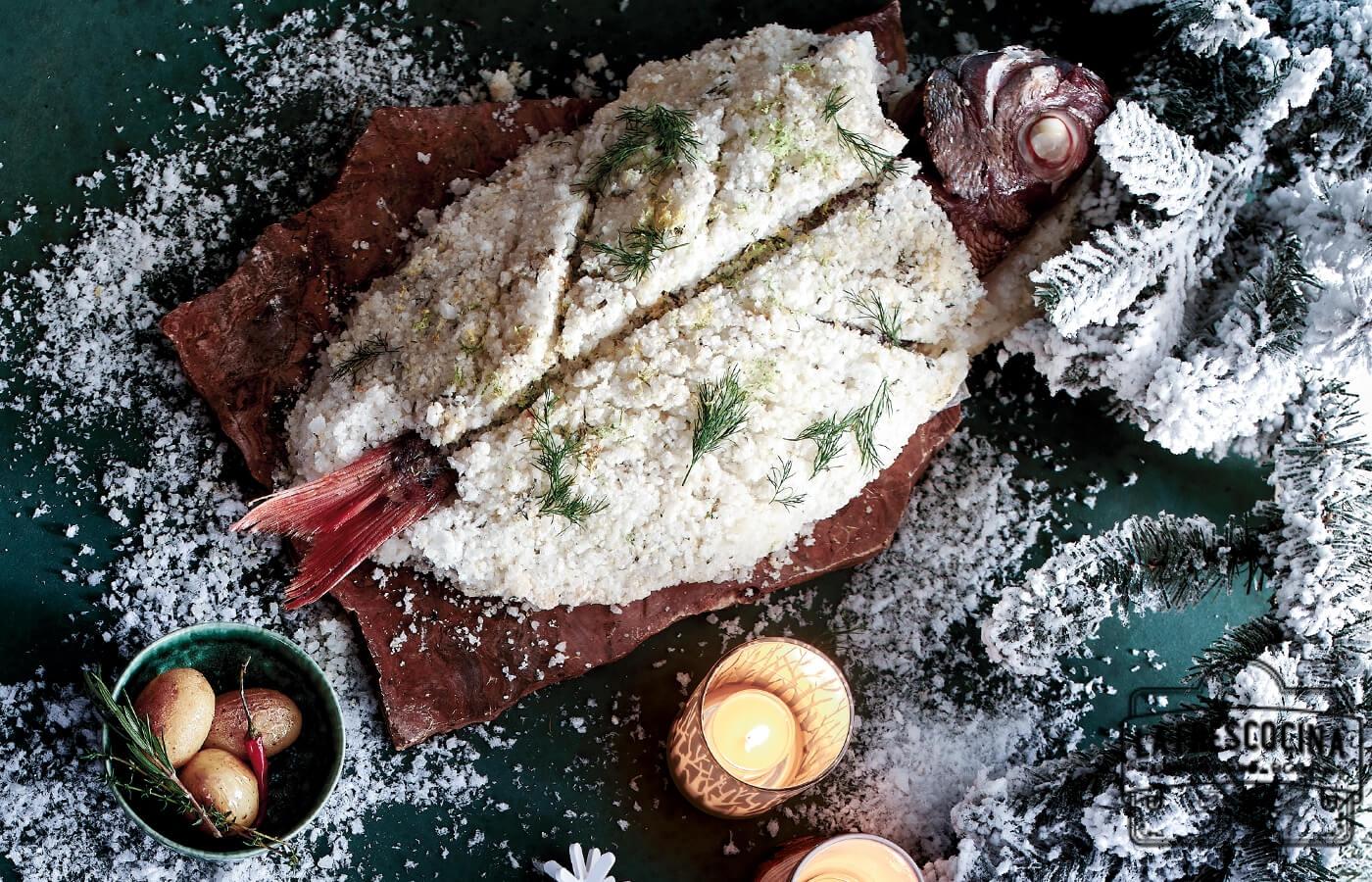 Besugo a la sal cítrica con patatitas y salsa tártara